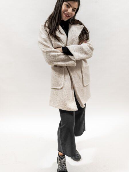 Palton lung de dama alb