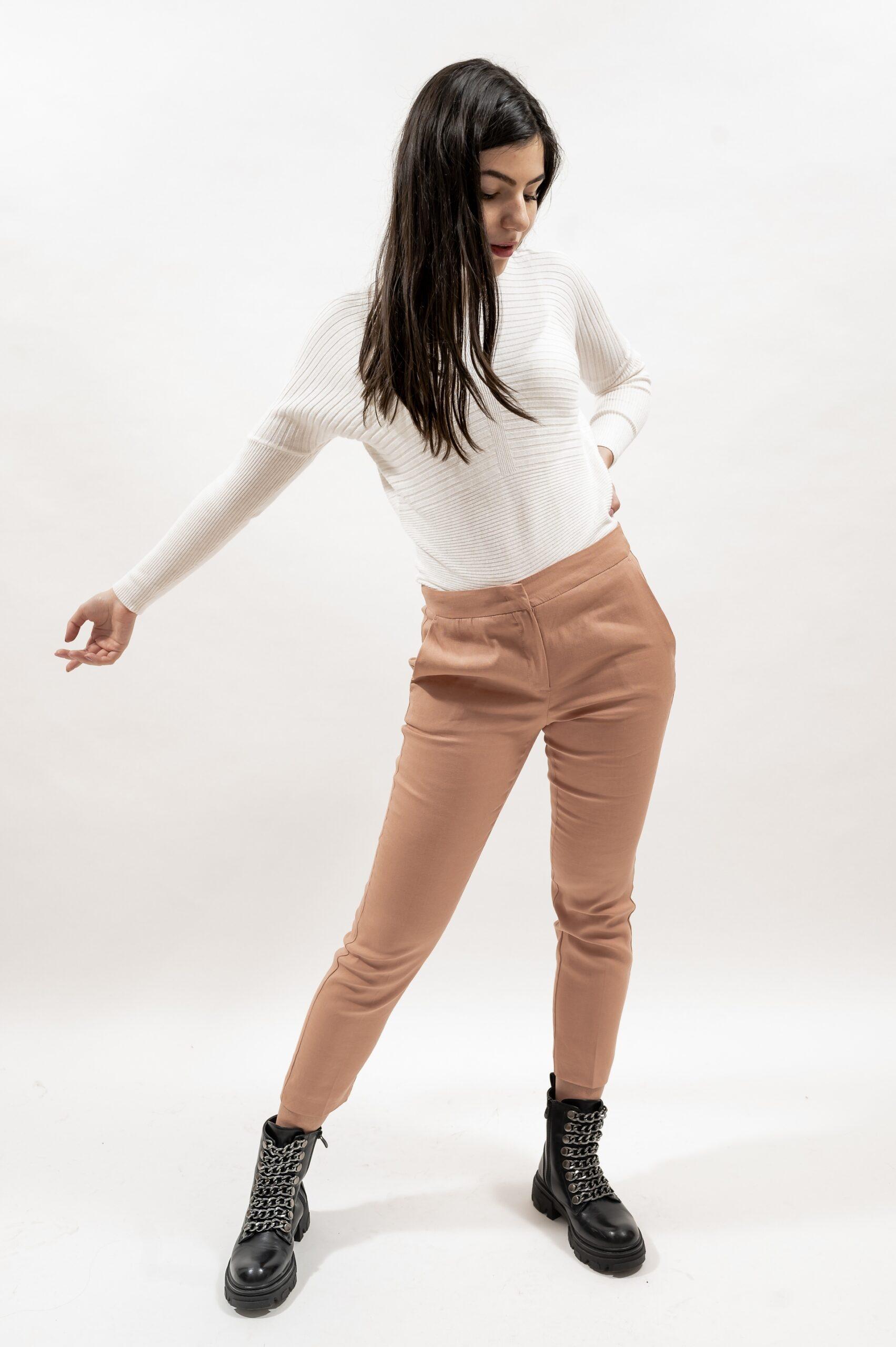 Pantalon conic (roz pal, bleumarin)
